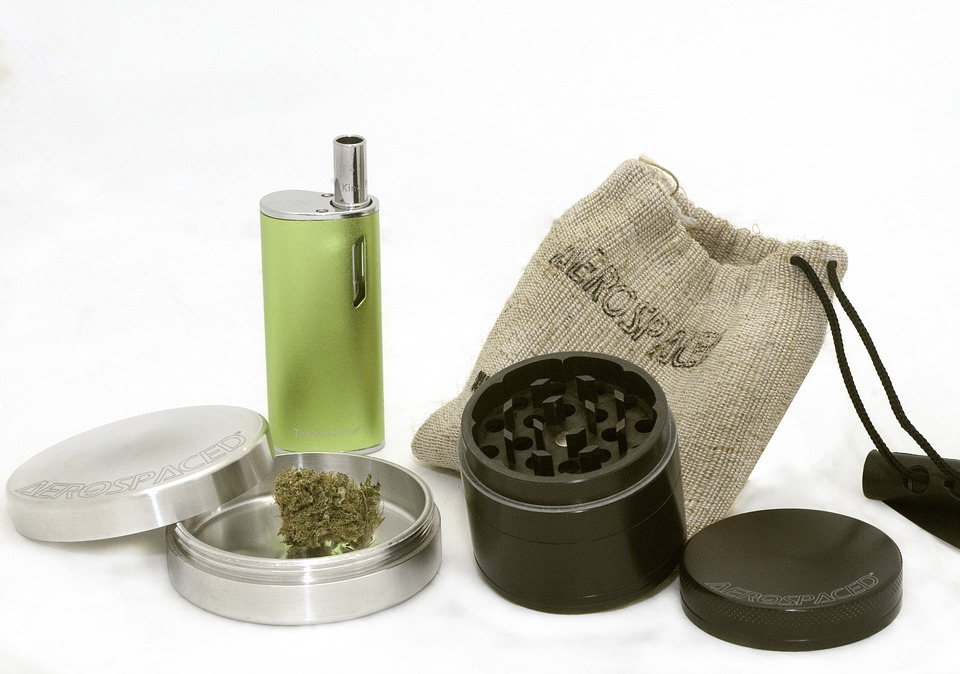 Bud Marijuana Grinder Cannabis